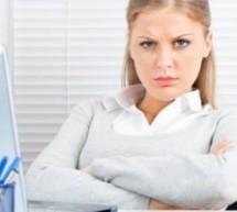 انسحاب النساء المبكر من الوظيفة العامة يحد من فرص وصولهن الى مواقع صنع القرار